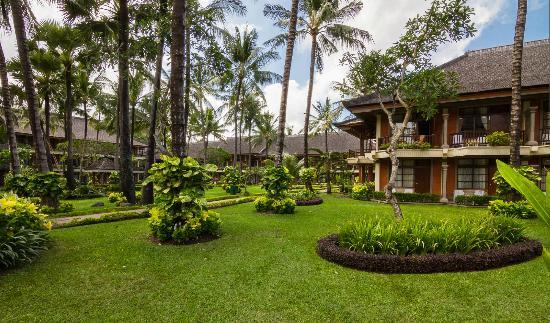 The Jayakarta Bali Beach Resort: Garden