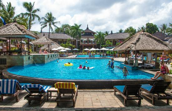 The Jayakarta Bali Beach Resort: Pool