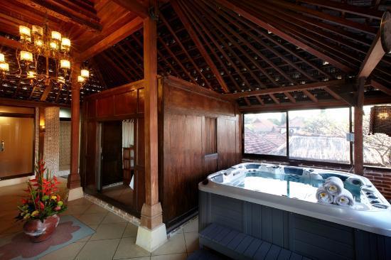 Jacuzzi At Spa Picture Of Putu Bali Villa And Spa Kerobokan Tripadvisor