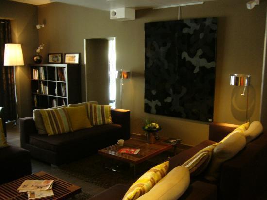 Hôtel de France : Salon design pour se reposer
