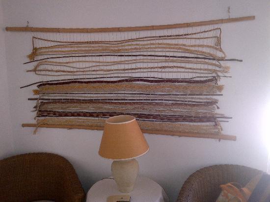 Masseria degli Ulivi: Drappo artigianale a ornamento delle pareti