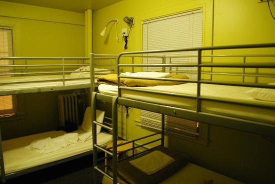 Hostelling International Seattle at American Hotel: chambre...