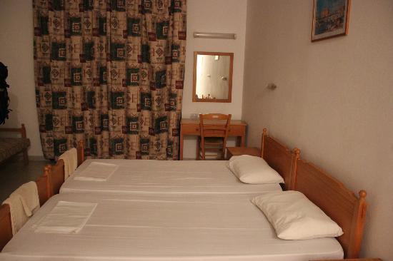 Pagona Hotel Apartments: beds