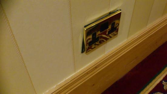 The Johnstown Estate Hotel: Loose Socket