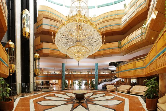 Golden 5 Paradise Resort: Lobby