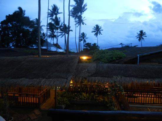 Phra Nang Inn: lovely view on a stormy evening