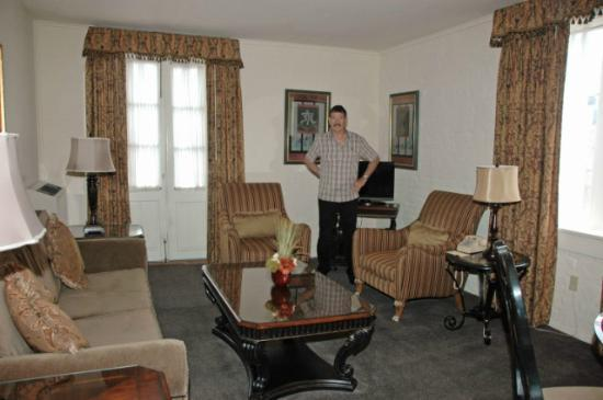 Le Richelieu in the French Quarter: Suite- living room