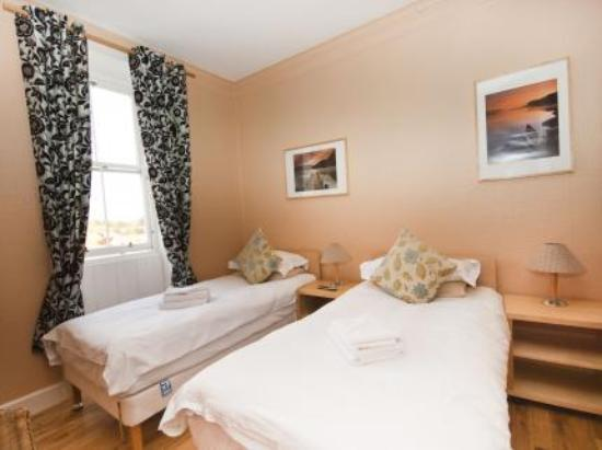 Garfield Guest House: Edinburgh Guest House Twin Room