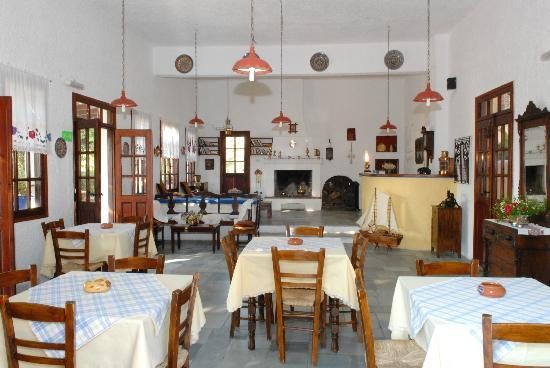 Vagia, Grekland: The hotels dinning room and reception