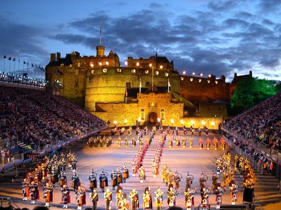 Garfield Guest House: Edinburgh Castle Tatoo