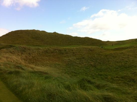Carne Golf Links: dog leg