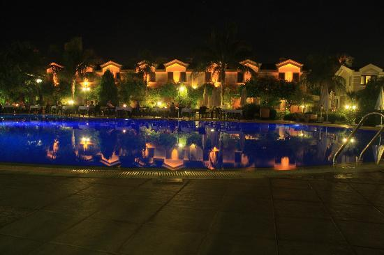 Dalyan Resort: night