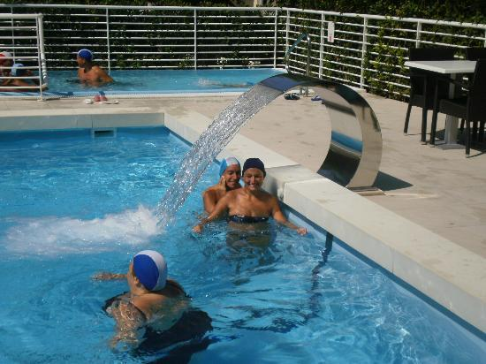 Hotel Palace: piscina con lama d'acqua