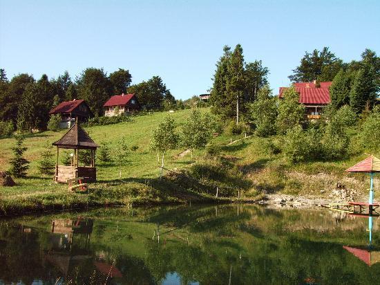 Carpathian Meadows (Karpats'ki Polonyny) Hotel: Karpats'ki Polonyny - Summer view