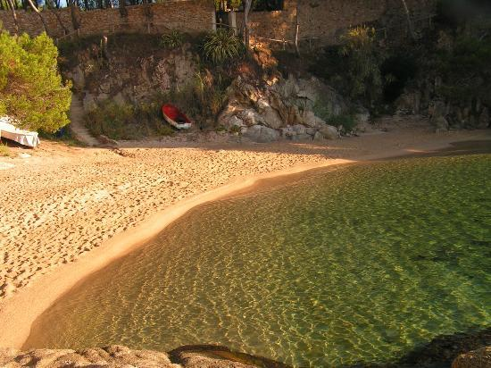 H·TOP Caleta Palace: crystal clear watersto swim in