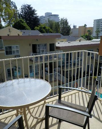 Magic Castle Hotel: Balcony
