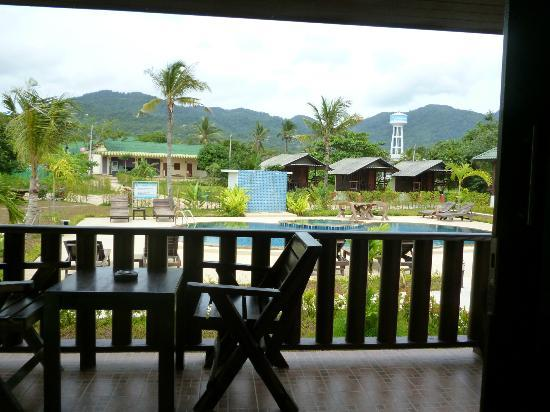 Phatcharee Resort: balcony