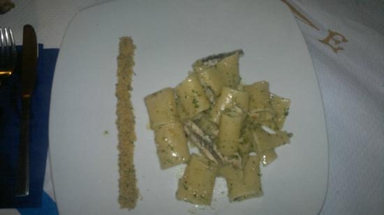 Ristorante Odissea : paccheri con alici e sabbia palermitana