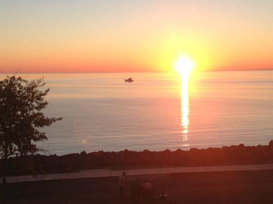 The Inn on Lake Superior: It's a beautiful morning...again!