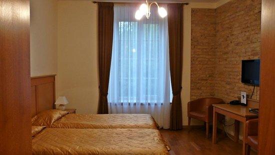 Hotel Tilto: Habitación doble