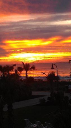 Holiday Sands North: Beautiful sunrise