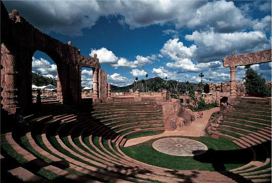 The Palace of the Lost City : Amphitheatre