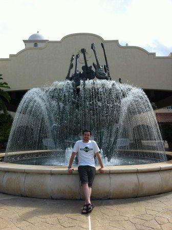 Hard Rock Hotel at Universal Orlando:                                                       Front Entrance Fountain