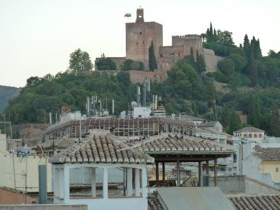 Room Mate Leo: View of Alhambra from rooftop terrace