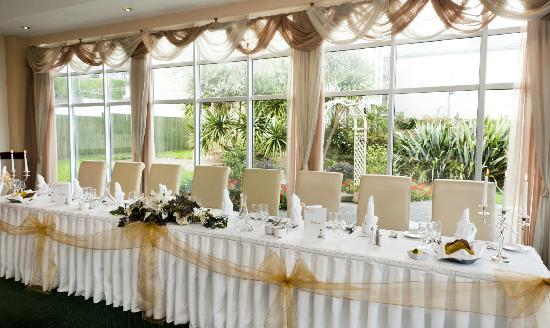 Garden Room Restaurant : Wedding Reception - Top Table