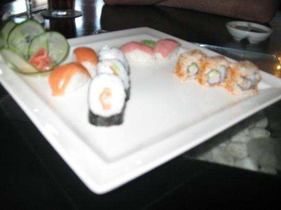 Sensimar Seaside Suites & Spa: Sushi was the best.