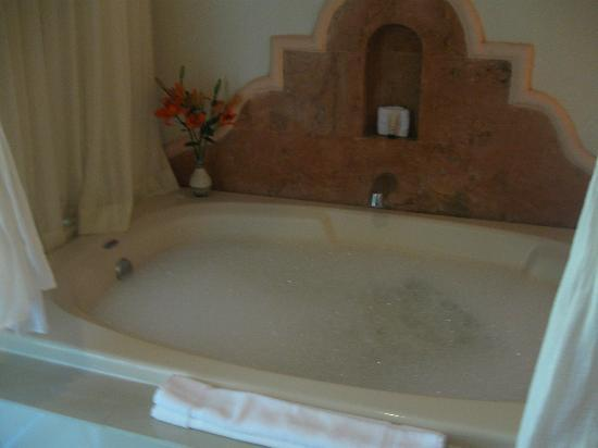 El Dorado Sensimar Riviera Maya : Often we would return to a hot tub waiting for us to get in. ROMANTIC!