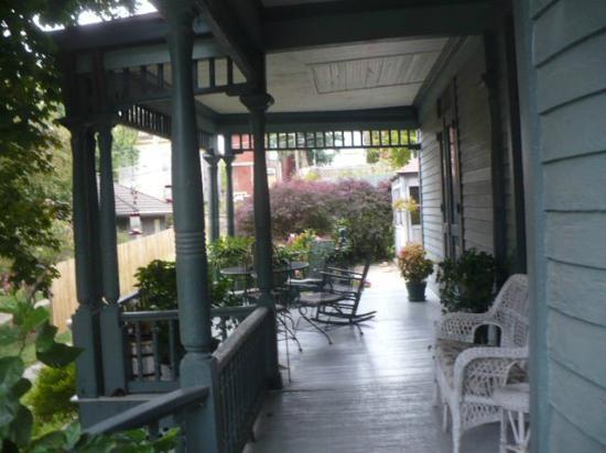 Reagan's Queen Anne: Beautiful wrap around porch