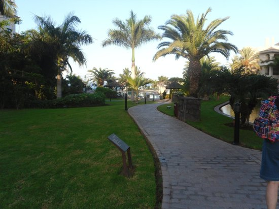 Gran Melia Palacio de Isora Resort & Spa: manicured!
