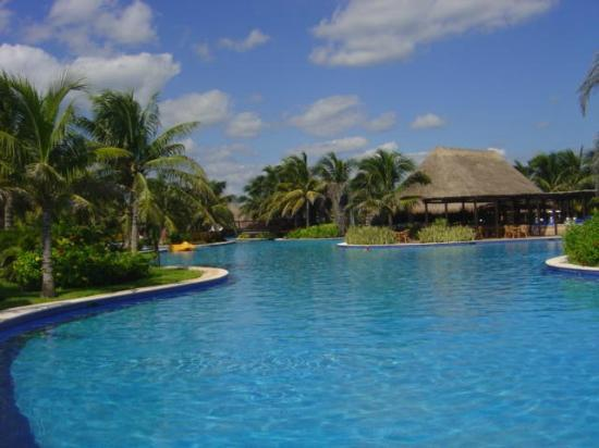 Valentin Imperial Maya: The main pool, this is just a small part of it!