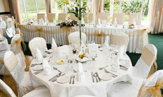 Garden Room Restaurant Wedding Reception Round Table