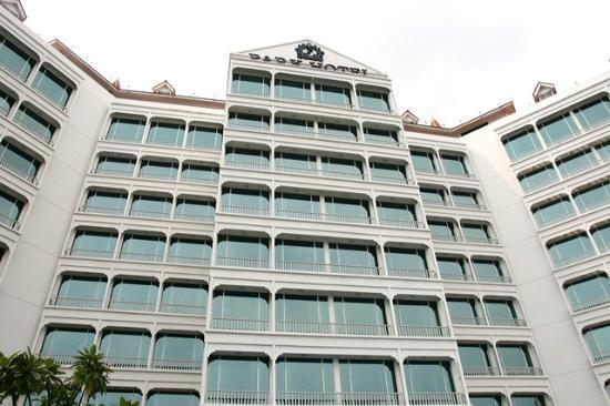 พาร์ค โฮเต็ล คลาร์ก คีย์: Hotel facade