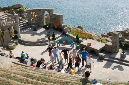 ‪‪Minack Theatre‬: A shot from an earlier trip as the cast rehearsed HMS Pinafore‬