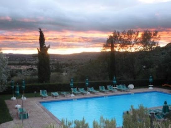 Relais Borgo Torale: The Pool 