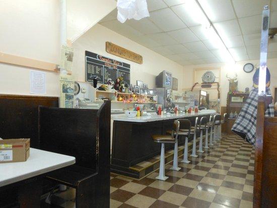 Angel's Family Restaurant: Counter