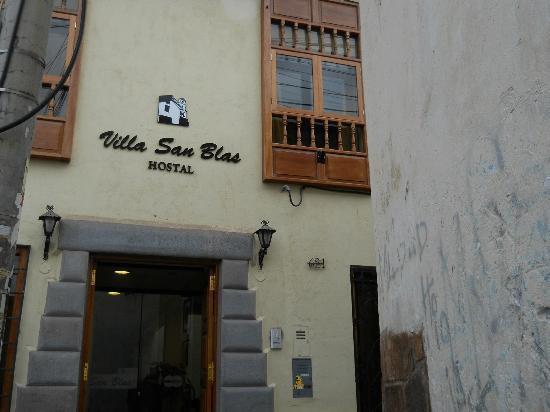 Villa San Blas: Frente del hotel