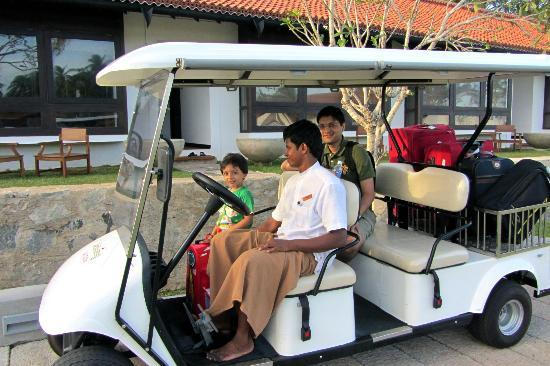 Jetwing Lagoon: the buggy and lovely staff