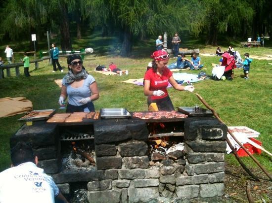 Settembre 2012 - Grigliata di carne e polenta organizzata dal Centro Vacanze Veronza