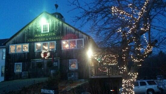 Hardwick Vineyard and Winery: Hardwick Winery during the holiday season