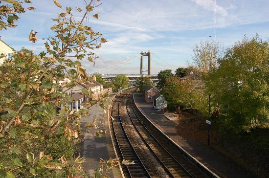 Royal Albert Bridge: Looking east from Saltash station