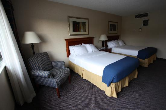 Holiday Inn Express Elmira Horseheads: Room 107