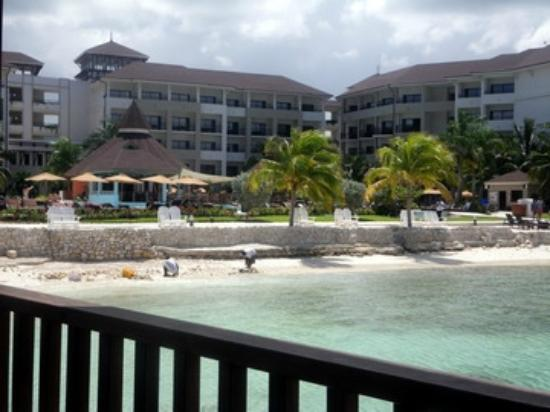 Secrets Wild Orchid Montego Bay: Building 2 & Oceana & Pool
