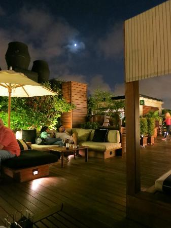 Hotel 1898: Rooftop Lounge