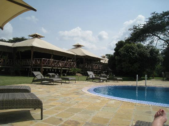 Neptune Mara Rianta Luxury Camp: poolside