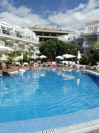 Parque del Sol: Pool view