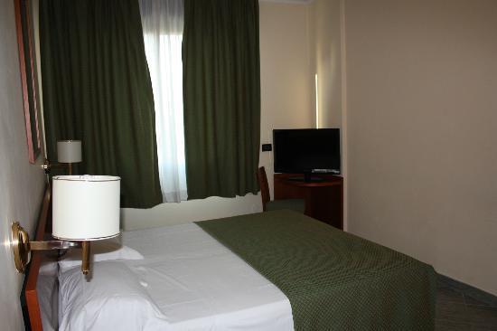 Eur Suite Hotel: Camera